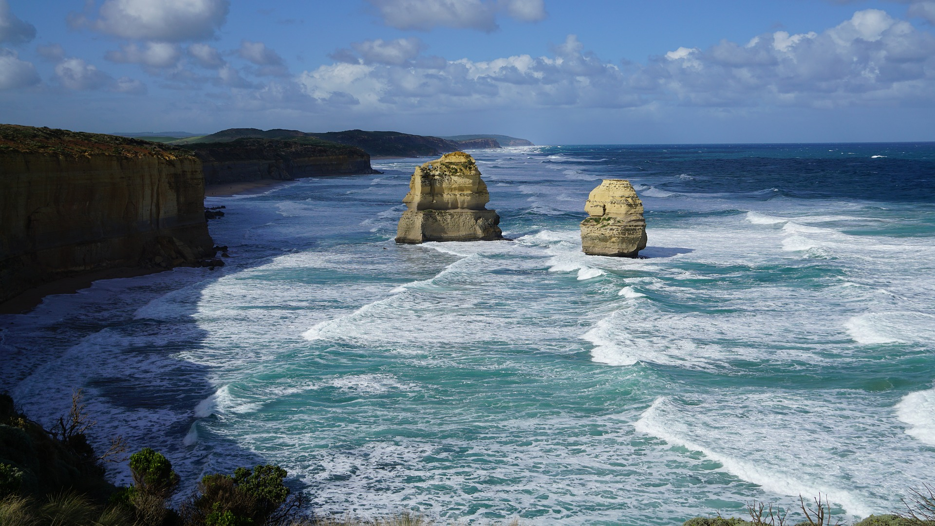 How Long is the Great Ocean Road?