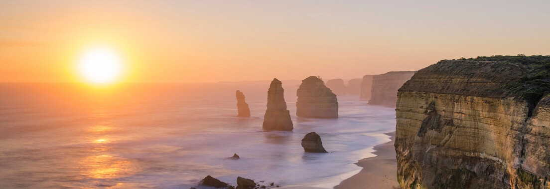 Where are the best spots to watch the sunset and sunrise on the Great Ocean Road?