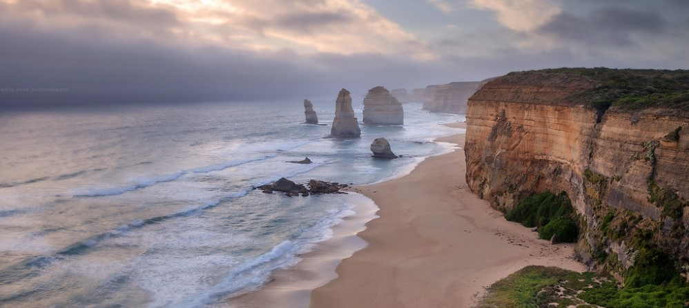 What is there to see on the Great Ocean Road past the 12 Apostles?